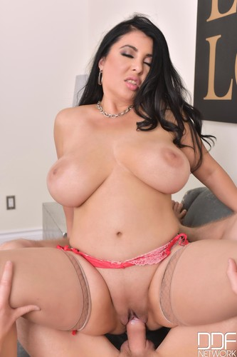 Jaylene Rio – DDFBusty – An Actors Busty Choice – Banging Her Big Tits Makes Him Cum – FullHD 1080p