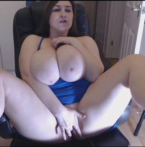 Jennica Lynn – Speak, attack her pretty pink pussy with a hard dildo On A Webcam 80 mins