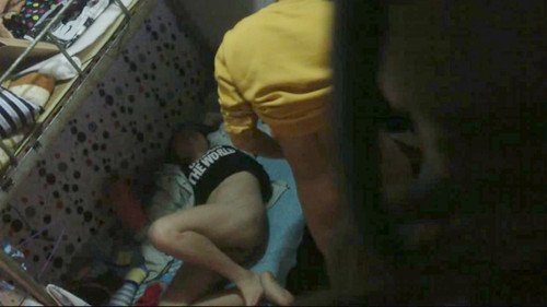 [自拍]大學生宿舍偷拍室友和他女朋友在下鋪赤裸裸草逼。