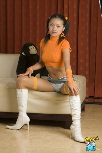 Asiansuckdolls.com - Jantra
